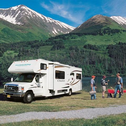 Camping-Fishing-780x780